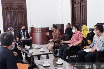 Pemkot Bogor dan Yayasan JKL galang donasi HP dan laptop untuk pelajar tak mampu