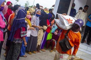 Penyaluran bantuan sosial KPM-PKH