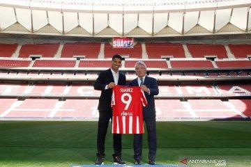 Suarez resmi kontrak dua tahun dengan Atletico Madrid