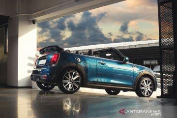 MINI Cabrio Sidewalk Edition hadir di Indonesia, harga Rp880 juta