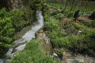 Pencemaran sungai di Lembang