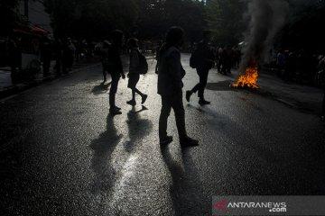 Aksi tolak Omnibus Law di Bandung