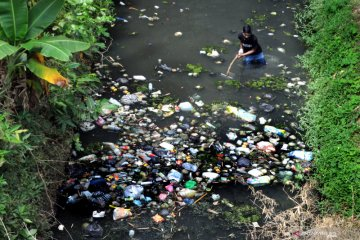 Aksi Bersih-bersih Sungai