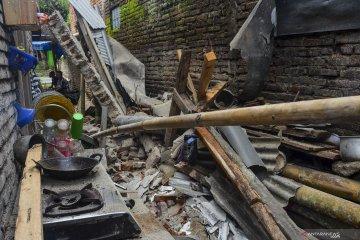 29 rumah rusak akibat gempa yang berpusat di laut Pangandaran
