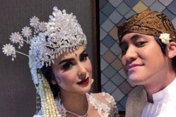 Kevin Aprilio resmi menikahi kekasihnya Vicy Melanie
