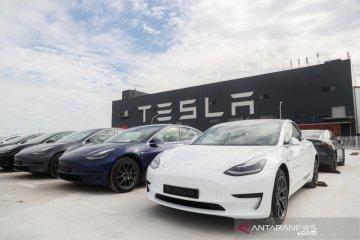 NHTSA perluas penyelidikan pada mobil Tesla Model X dan S