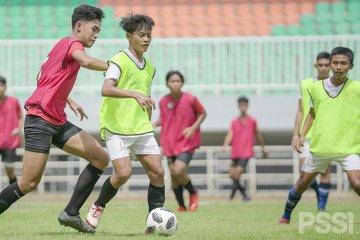 PSSI mulai seleksi pemain untuk skuat Garuda Select jilid III di stadion Pakansari
