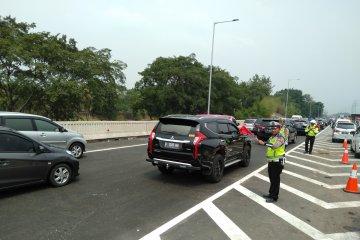 "Jalan Tol Jakarta-Cikampek arah Jakarta sempat direkayasa ""contraflow"""