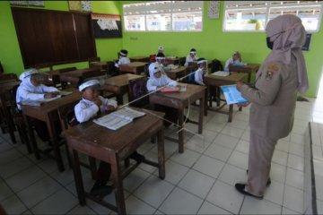 Sekolah di lereng Merapi tetap berjalan