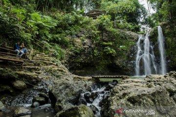 Potensi wisata air terjun Jawa Barat