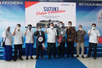 Suzuki Indonesia serahkan lima unit mobil untuk keperluan belajar