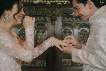 Kemarin, gejala baru COVID-19 hingga Adipati Dolken akan menikah