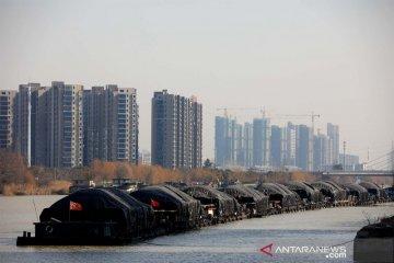 Pengangkutan batu bara di Kanal Besar Beijing-Hangzhou