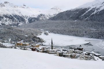 Varian baru virus corona landa resor mewah St Moritz di Swiss