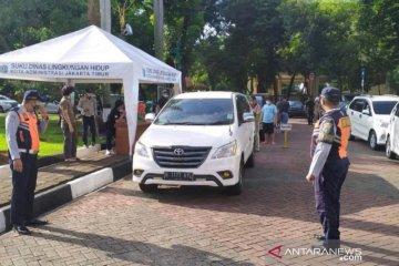 Sudin Lingkungan Hidup Jakarta Timur uji emisi 700 mobil
