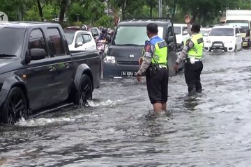 Posko penanganan banjir di Banjarmasin disiagakan
