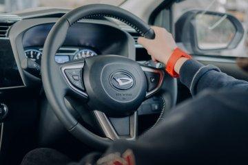 5 tips aman kendarai mobil matic pada saat banjir