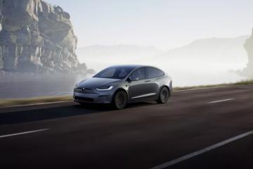 "Tesla diminta untuk ""recall"" 12.300 SUV Model X"