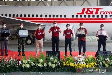 J&T Express luncurkan air freighter dukung pengiriman paket luar Jawa