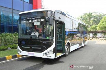 Jakarta kemarin, korban kebakaran kilang hingga 100 bus listrik