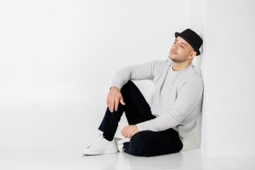 "Sambut Ramadhan, Maher Zain rilis mini album ""Nour Ala Nour"""