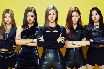"ITZY bersiap kembali dengan mini album ""Guess Who"""