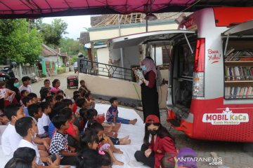 Tim Mobil KaCa UMM pulihkan trauma anak-anak korban gempa di Malang
