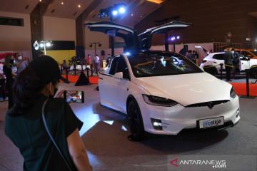 """Perangkat lunak """"self-driving"""" Tesla timbulkan kekhawatiran"""