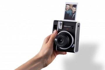 Kamera instax Mini 40 resmi meluncur, berdesain klasik