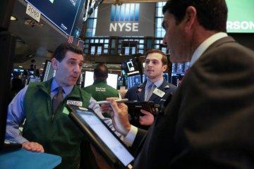 Wall Street berakhir menguat, S&P 500 ditutup di rekor tertinggi