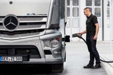 Mercedes-Benz, Siemens bermitra buat stasiun pengisian EV