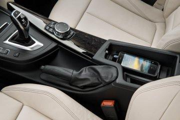 """Krisis chip, BMW ganti fitur """"wireless charging"""""""