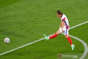 Kroasia lolos selaku runner-up Grup D seusai bungkam Skotlandia 3-1