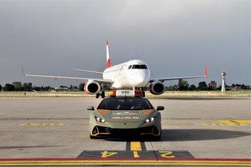 Bandara Bologna hadirkan Lamborghini Huracan Evo untuk sambut tamu