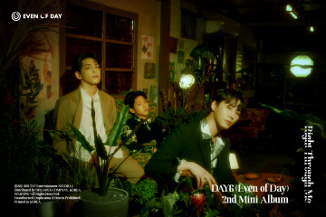 """EoD DAY6 bawa nuansa musik 90-an lewat """"Right Through Me"""""""