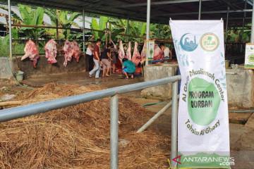 Al Ghozy Muslimah Center bagi ratusan daging kurban guru Al Quran