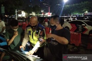 Polda Metro Jaya menahan 20 mobil balap liar di Senayan