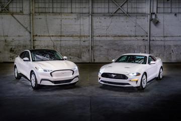 Ada Ford Mustang Ice White bagi penyuka warna putih