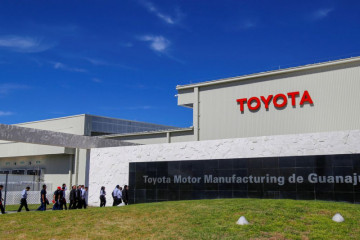 Toyota pangkas target produksi imbas kekurangan suku cadang dan chip