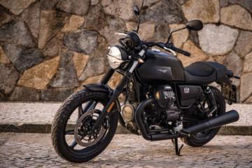 Moto Guzzi serahkan New V7 Stone kepada konsumen pertama Indonesia