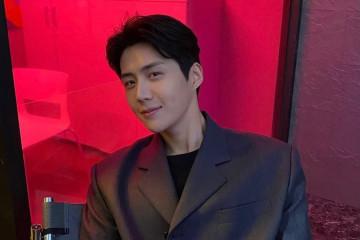 Tanggapan agensi Kim Seon-ho hingga Apple Music Voice Plan