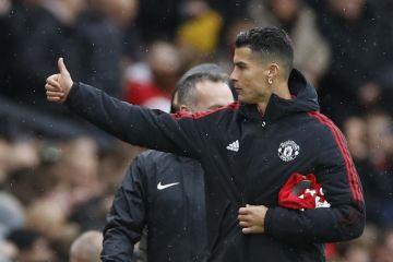 Gary Lineker: MU rampungkan transfer Ronaldo di kebun rumah saya