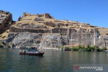 Kota Halfeti yang sempat tenggelam hingga keteraturan buat anak tenang
