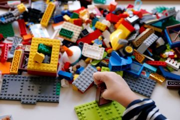 Seorang remaja bersenjata Lego bikin panik polisi Jerman