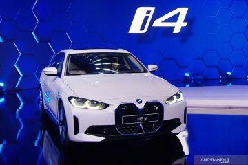 BMW mulai produksi mobil listrik i4