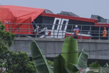 Kemenhub sayangkan insiden tabrakan LRT Jabodebek