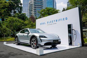 Porsche kenalkan Taycan Cross Turismo berkemampuan off-road