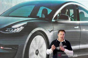 Saham tesla lampaui nilai 1 triliun dolar, Elon Musk Musk untung ganda