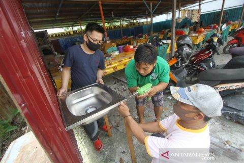 Warung Makan Terapkan Protokol Kesehatan