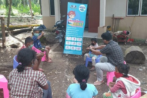 Geliat literasi dan edukasi cuci tangan pakai sabun Tirta Sibayakindo di Tahura Bukit Barisan Karo